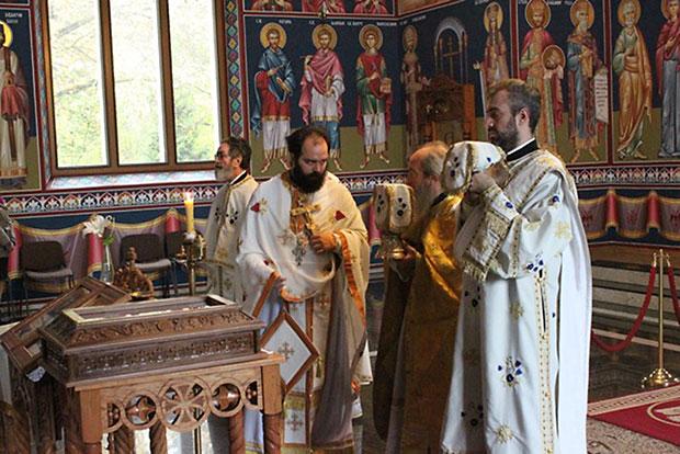 Свечана Божанствена Литургија у храму Светог Јована Владимира у Минхeну